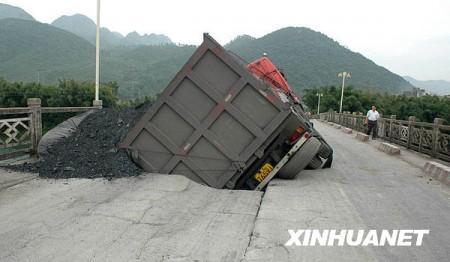 vrachtwagen_china_brug-2