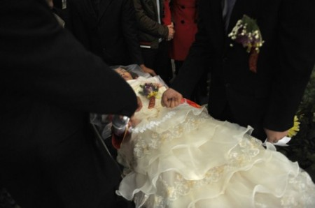 dode-vrouw-huwelijk-china-3