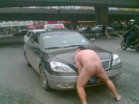 china-taxi-naaktman-0