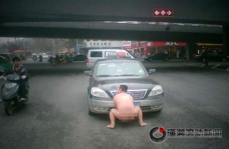 china-taxi-naaktman-3