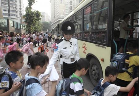 politie-agentes-china-3