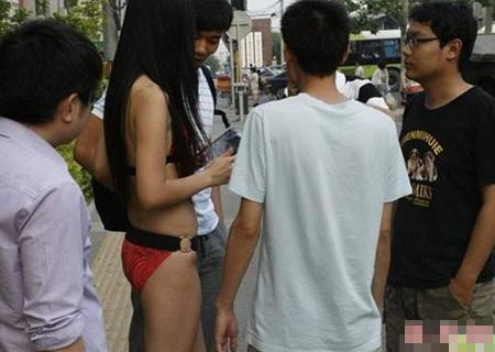 promotiemeisjes-china-bikini-3