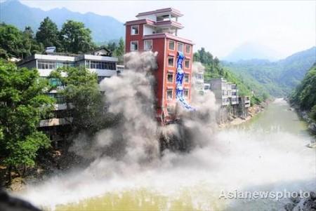 illegaal-gebouw-china-opgeblazen-1