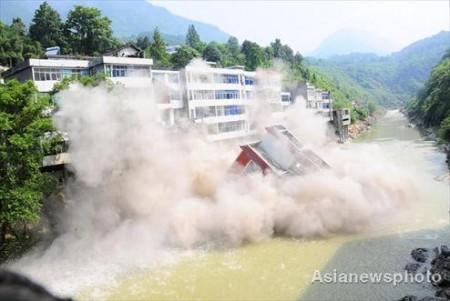 illegaal-gebouw-china-opgeblazen-2