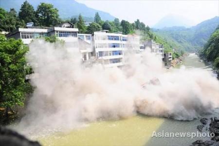 illegaal-gebouw-china-opgeblazen-3