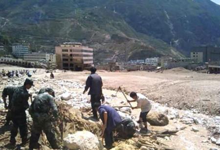 127-doden-aardverschuiving-gansu-china-2