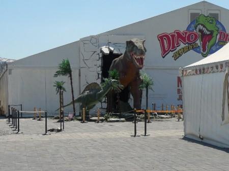 bord-dinosaurus-park-beijing-3