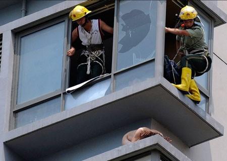 zelfmoord-china-naakte-vrouw-0