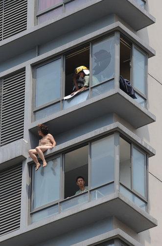 zelfmoord-china-naakte-vrouw-1