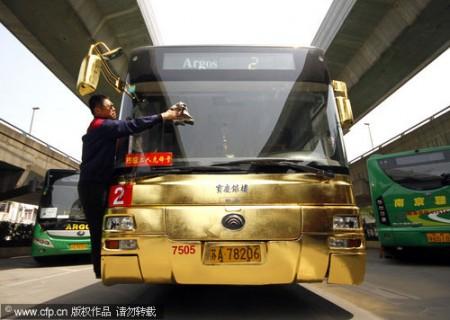 gouden-bus-uit-china-1
