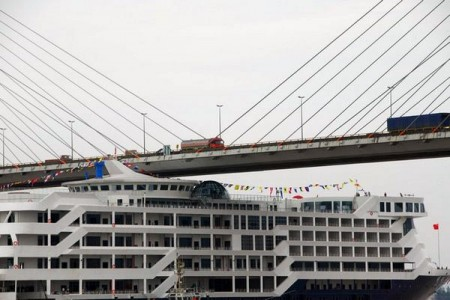 cruiseboot-brug-china-1